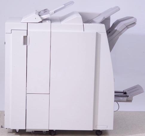 Xerox  450S02866 Профессиональный финишер LPF D5 с брошюровщиком и фолдером